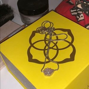 GReat CONDITION KENDRA SCOTT NECKLACE WITH BOX/BAG